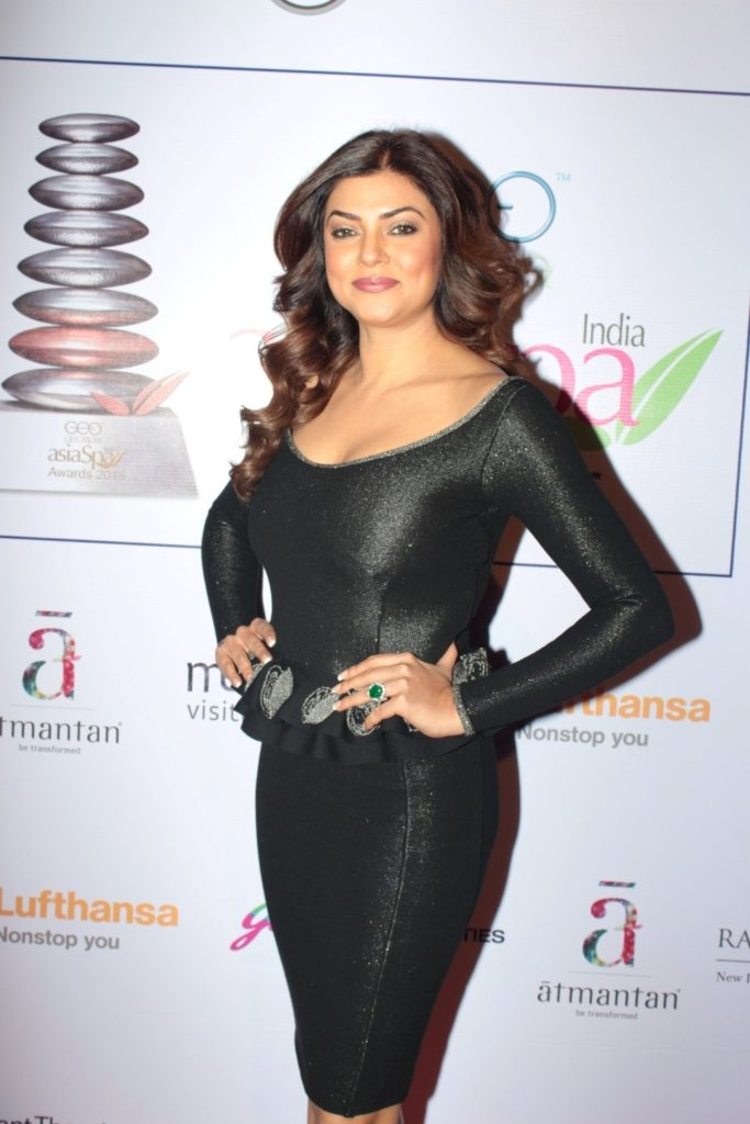 Sushmita Sen Charming Photoshoots At New Movie Promotion Time