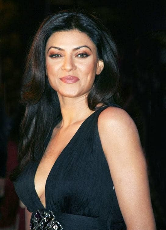 Sushmita Sen Sexy Boobs Unseen Wallpapers In 2017