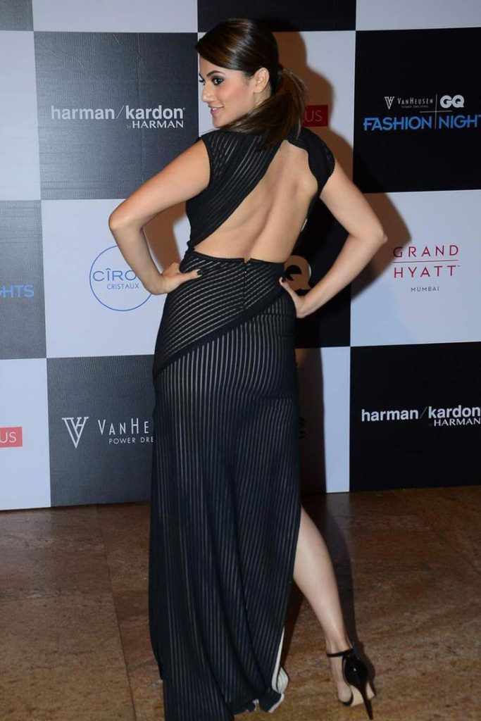 Taapsee Pannu Bold Backside Images In Black Cloths