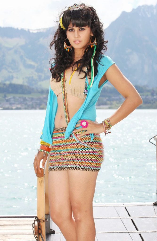 Taapsee Pannu Bold Images In Bikni