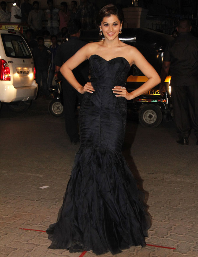 Taapsee Pannu HD Unseen Photos Gallery In Off Shoulder Black Dress
