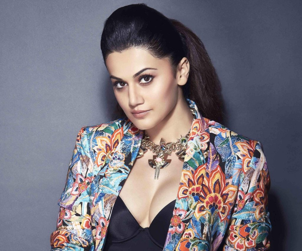 Taapsee Pannu Hot & Sexy Boobs Wallpapers