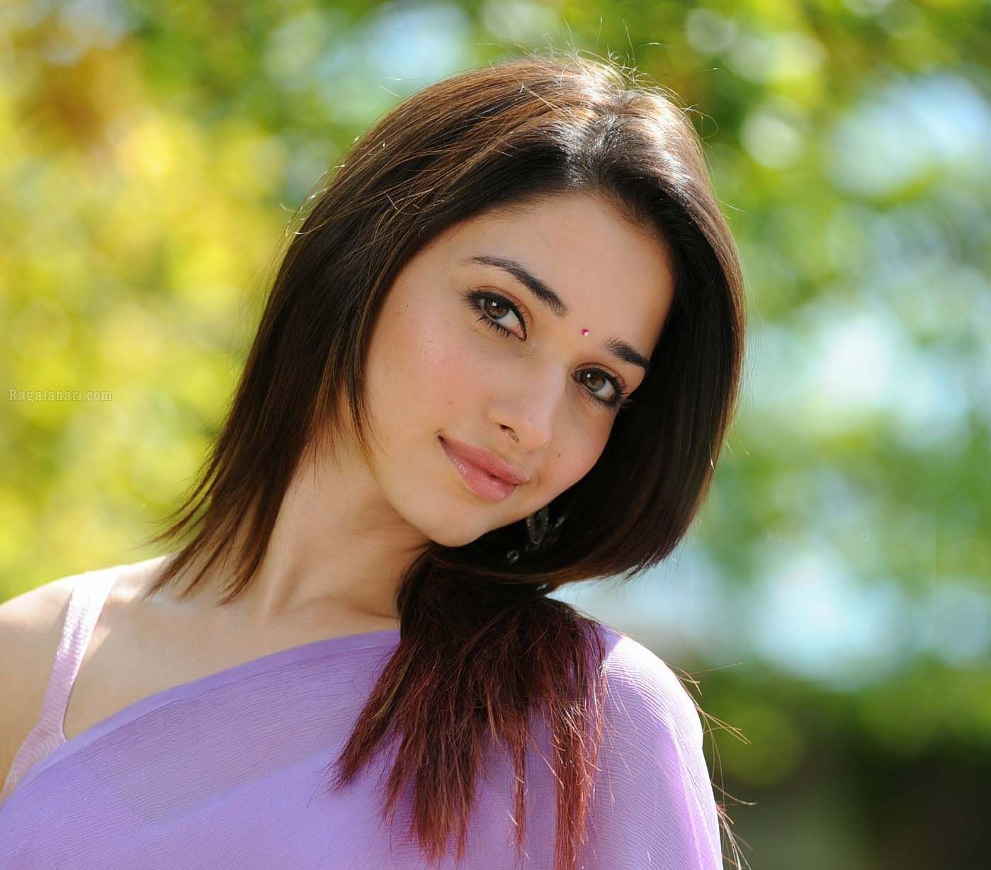 tamannaah bhatia hot & sizzling navel pictures & more