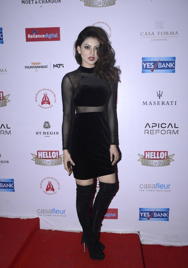 Urvashi Rautela Beautiful Images In Black Cloths