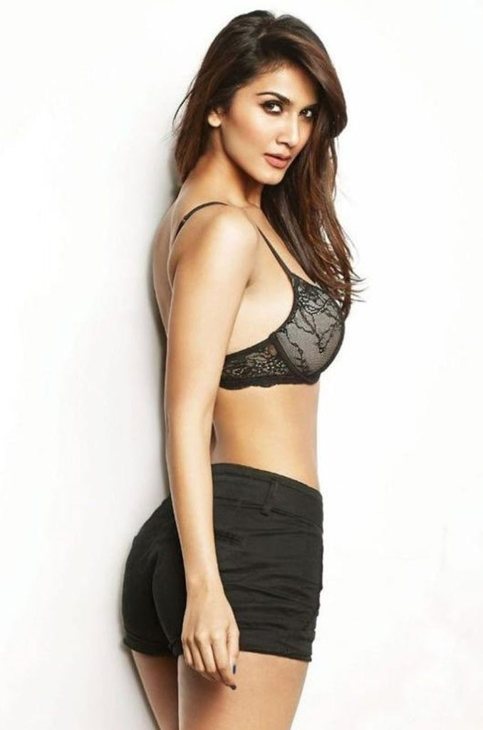 Vaani Kapoor Beautiful & Spicy Pictures In Bra Panty