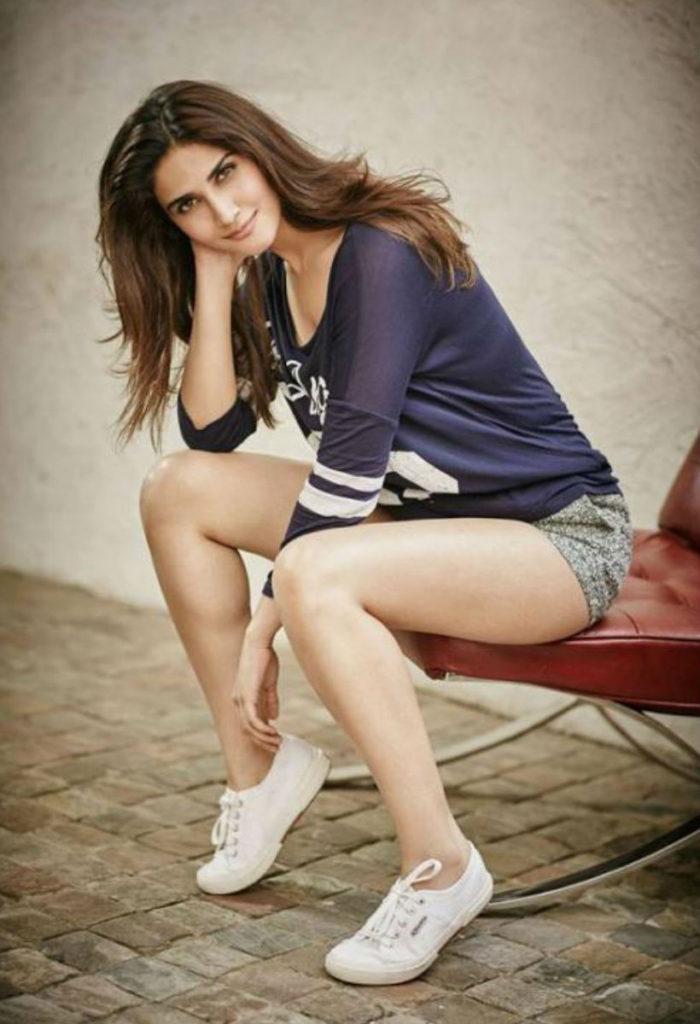 Vaani Kapoor Hot & Sexy Wallpapers