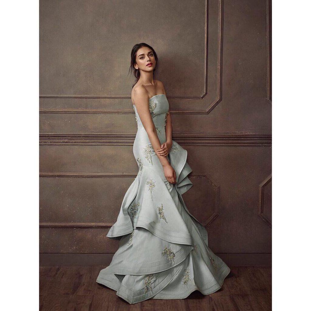 Aditi Rao Hydari Beautiful Images In Off Shoulder Dress