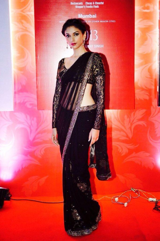 Aditi Rao Hydari Beautiful Pictures In Black Saree