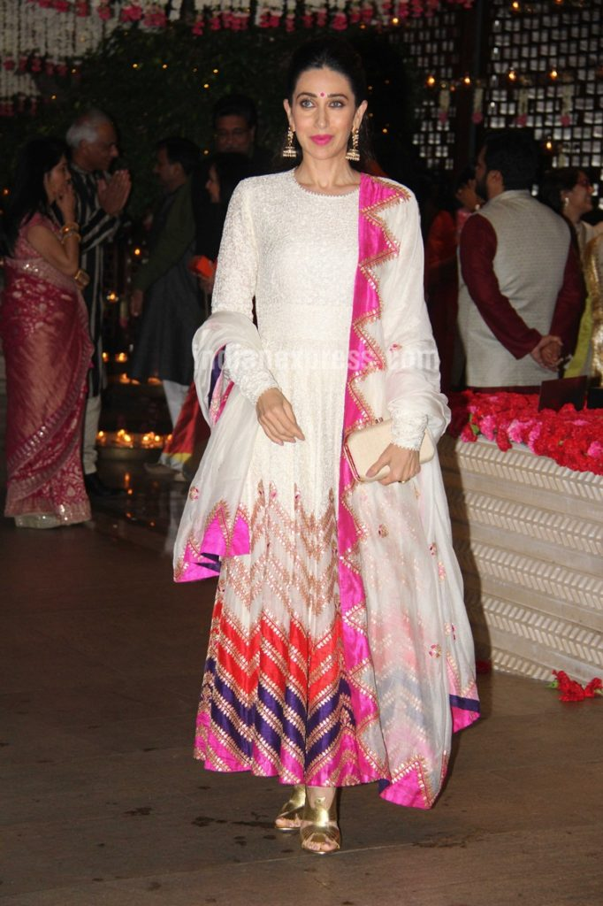 Bollywood Actress Karisma Kapoor Charming Images