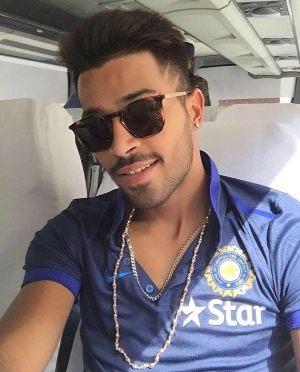 Attractive Hardik Pandya New Photos Images Wallpapers