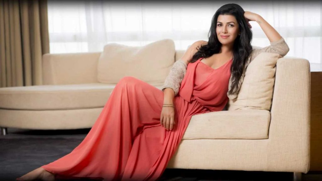 Nimrat Kaur Hot HD Wallpapers In Saree