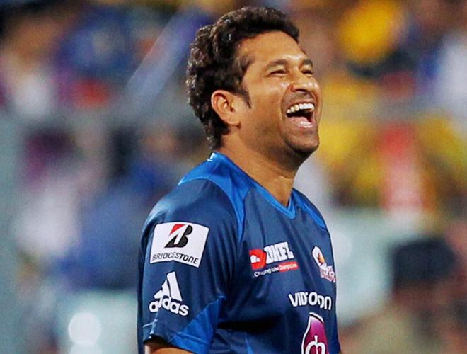 Sachin Tendulkar Cute Smile Pics