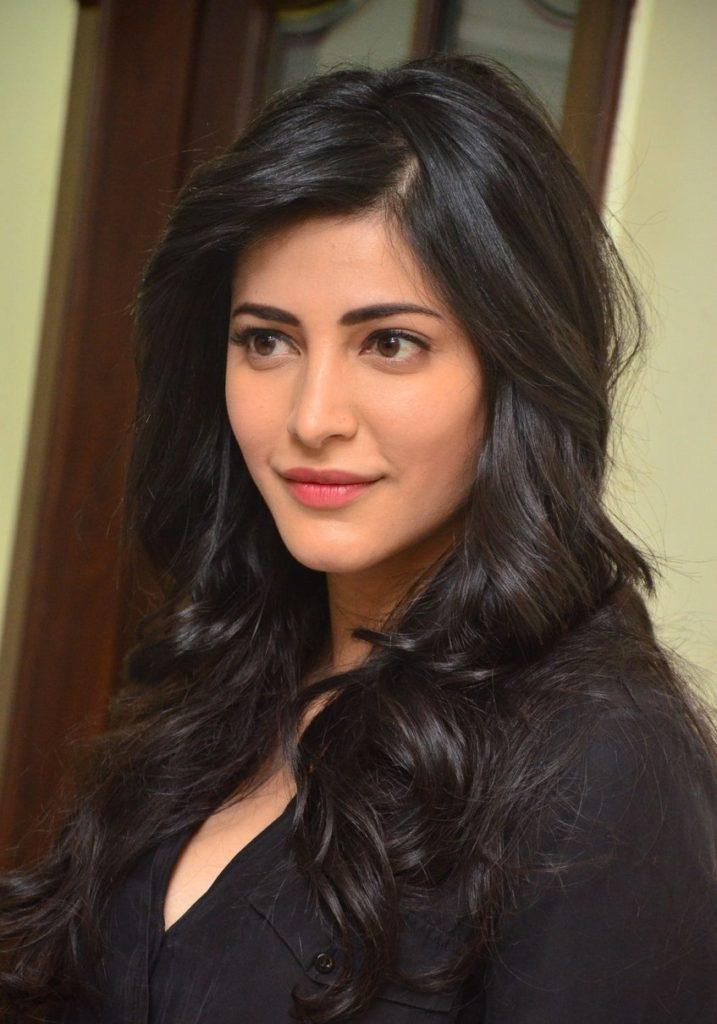 Shruti Haasan Latest Hair Style Images