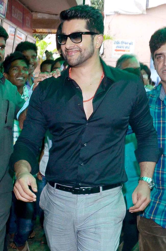 Aftab Shivdasani Hot Images