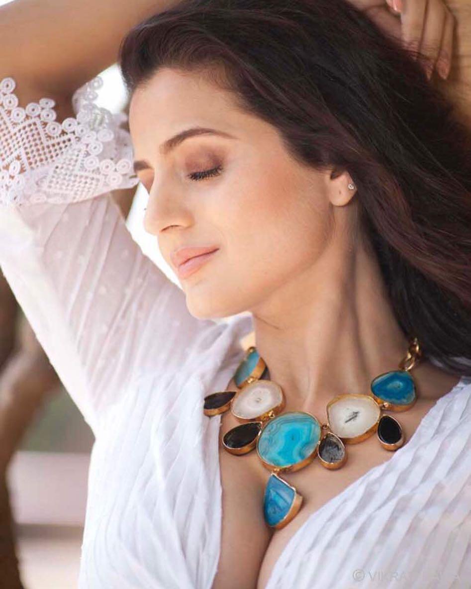 piczplaza: Amisha Patel Hot Pictures