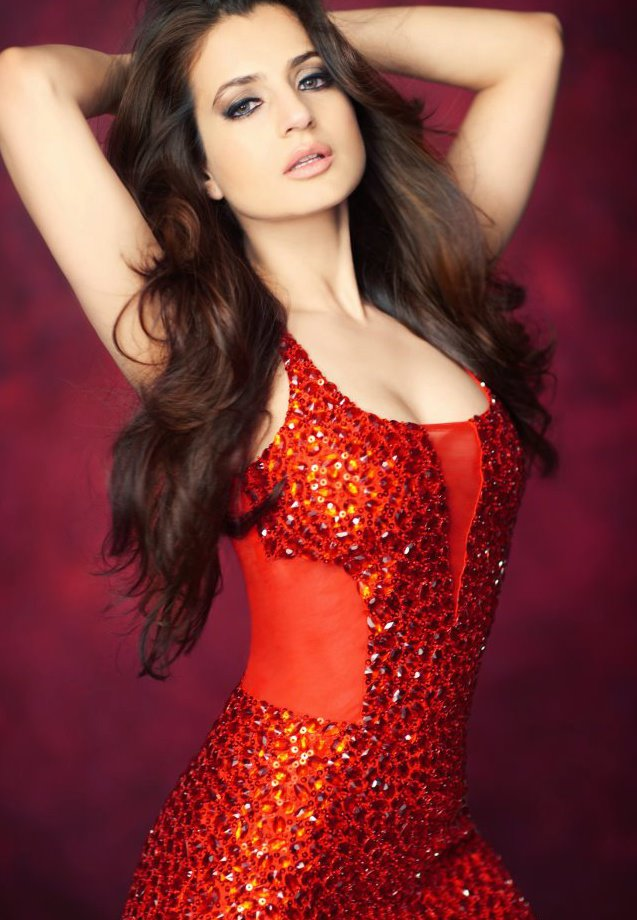 Ameesha Patel Images