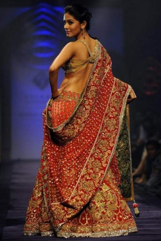Amrita Rao Backside Image At Rampwalk In 2017