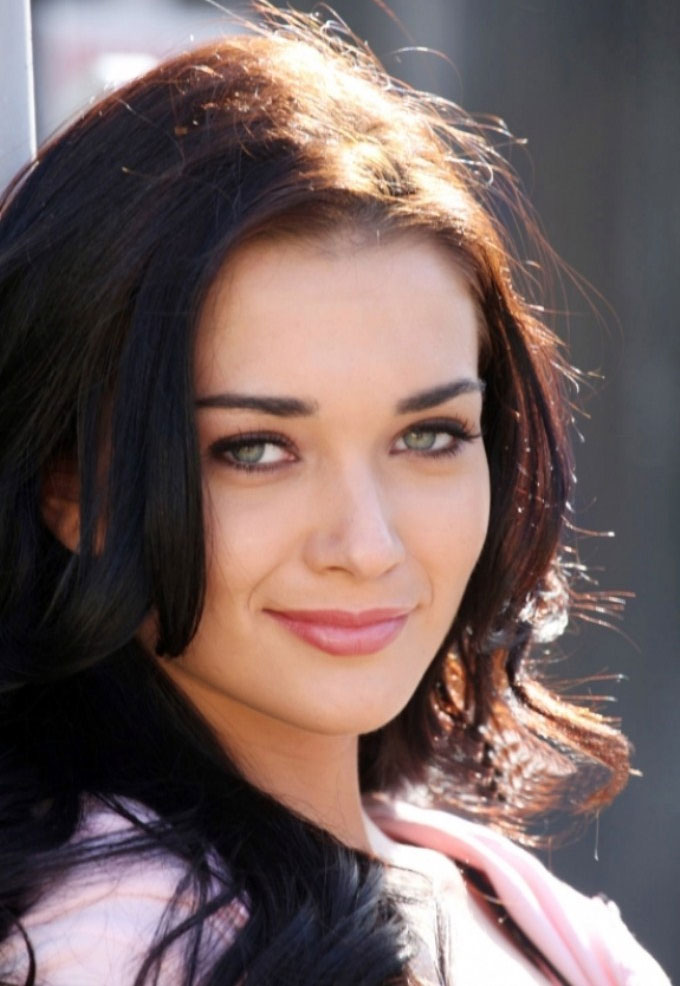 Amy Jackson Beautiful Wallpapers