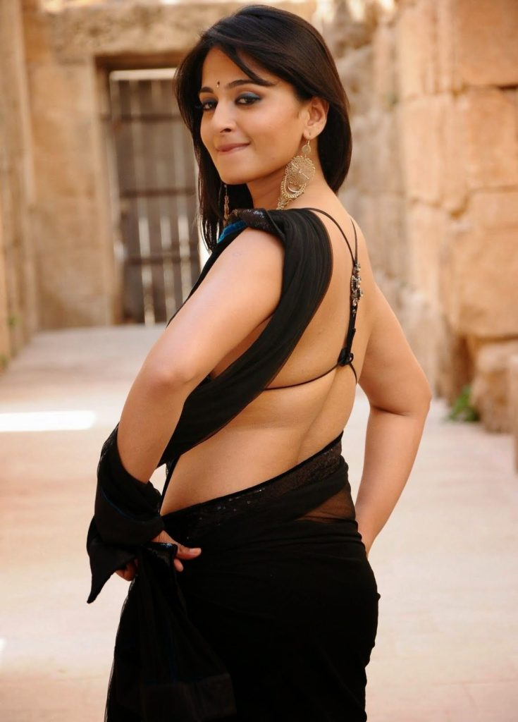 Anushka Shetty Backside Images In Saree