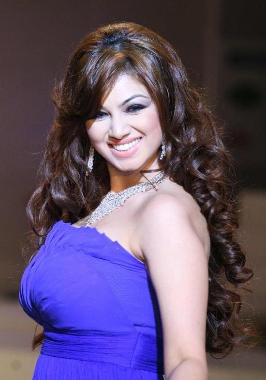 Ayesha Takia Hot Pics