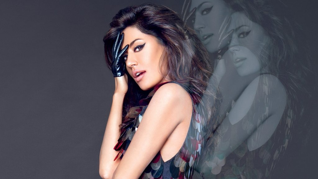 Chitrangada Singh Cute & Sizzling Images
