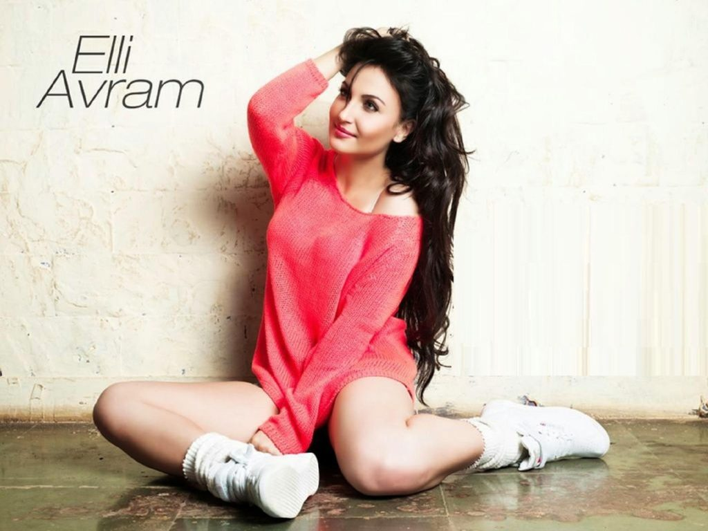 Elli AvrRam Hot & Bold Photos