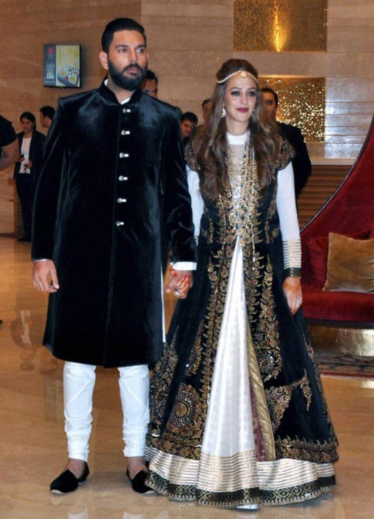 Hazel Keech & Yuvraj Singh Sweet Images