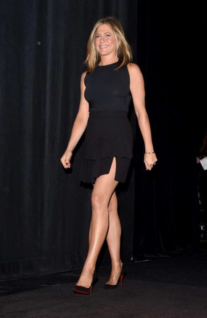 Hollywood Actress Jennifer Aniston Latest Hot Bikini Pics