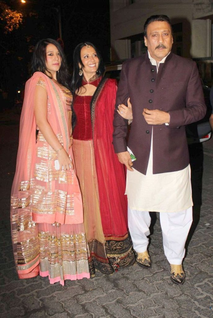 Jackie Shroff Images With Lovely Girls