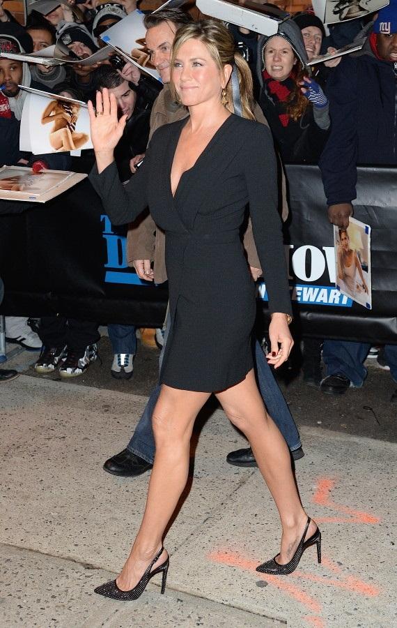 Jennifer Aniston HD Sexy Pics Download