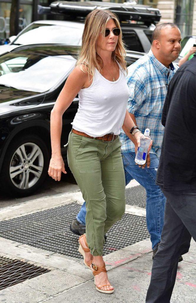 Jennifer Aniston Hot Look In Bra Panty Photos