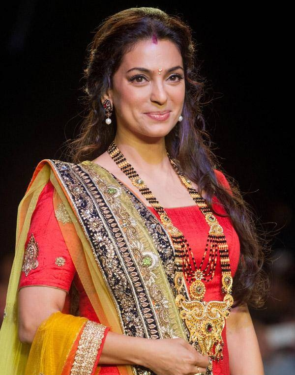 Juhi Chawla Beautiful Photos