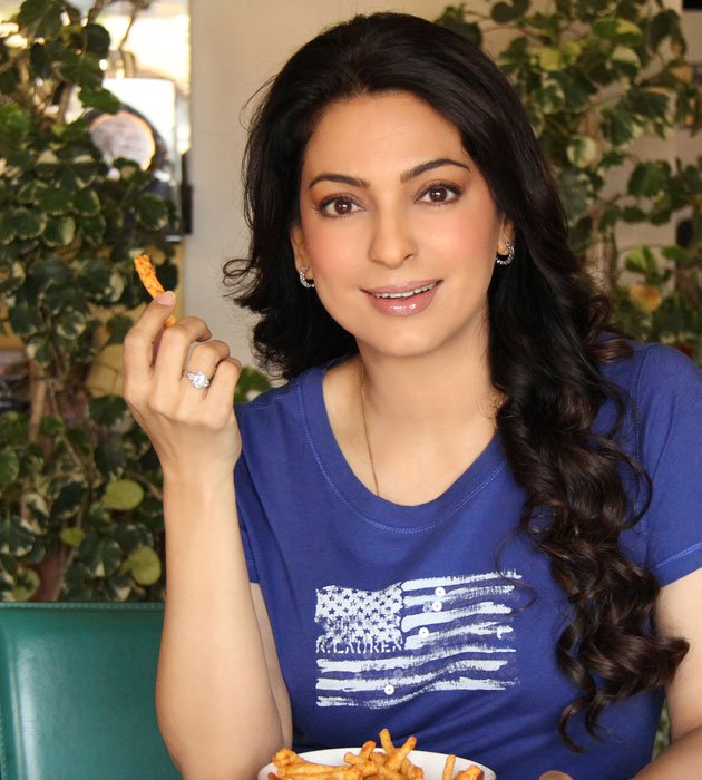 Juhi Chawla Latest Hair Style Wallpapers
