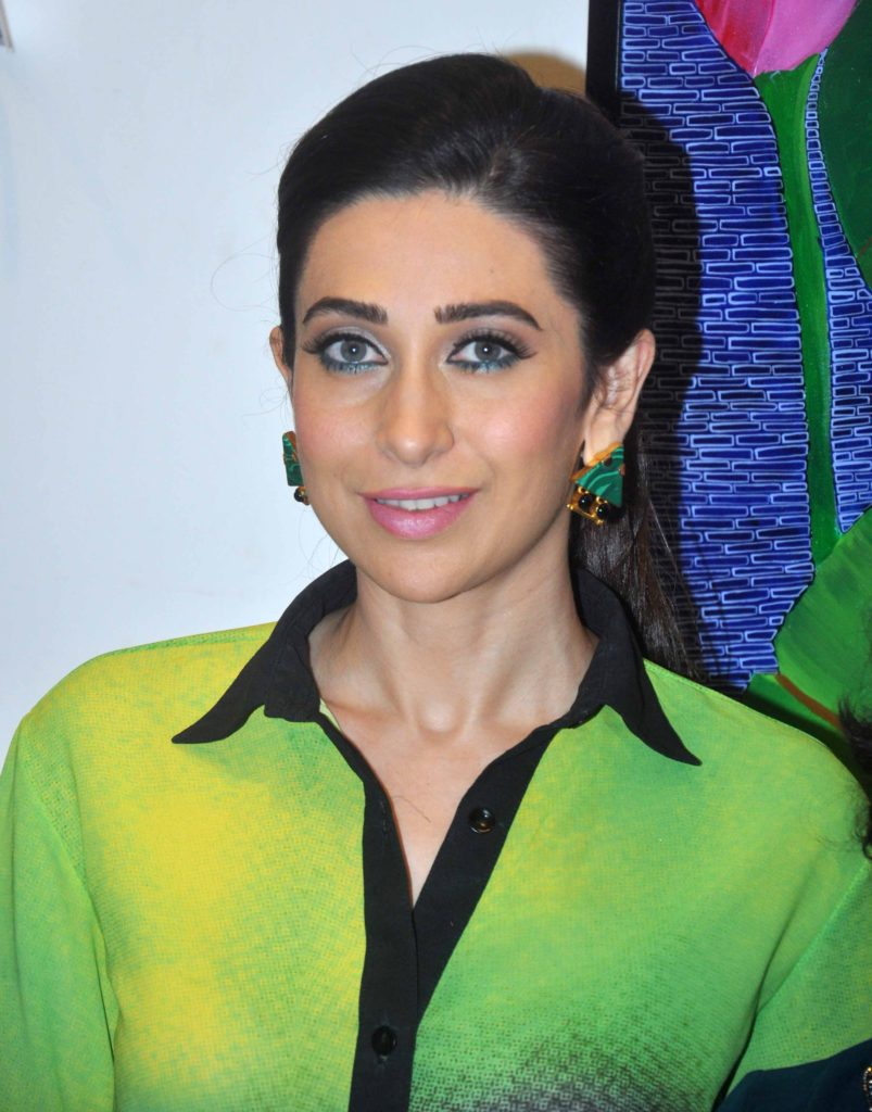 Karisma Kapoor New Pics In Jeans Top