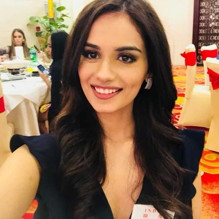 Manushi Chhillar Charming Wallpapers