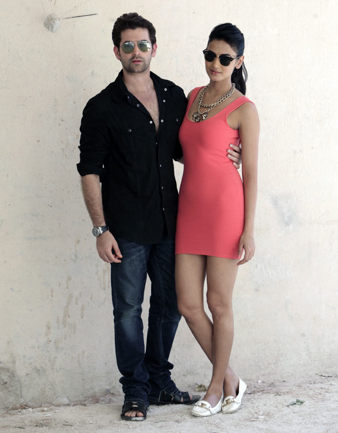 Neil Nitin Mukesh Images With Cute Girl