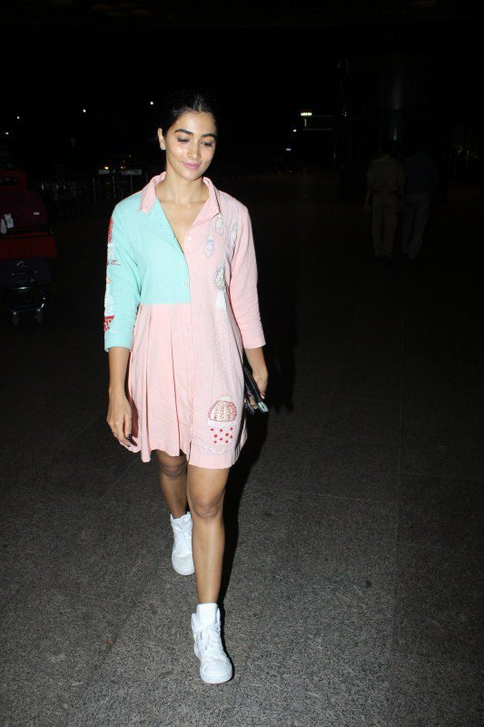 Pooja Hegde Charming Photos
