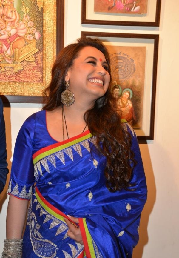 Rani Mukerji Cute Smile Images