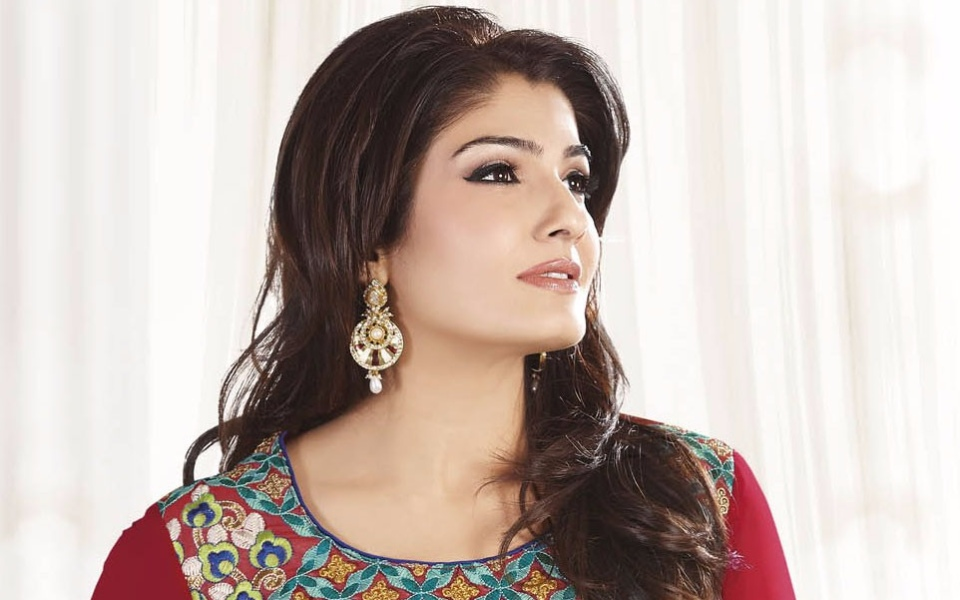 Raveena Tandon Beautiful Latest Wallpapers