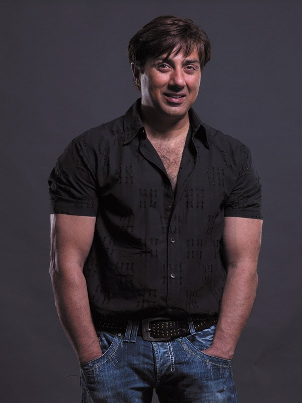 Sunny Deol Chamring Photos