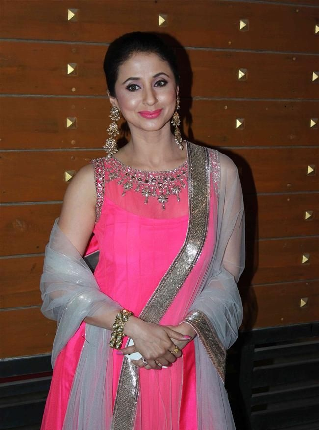 Urmila Matondkar Photos In Anarkali