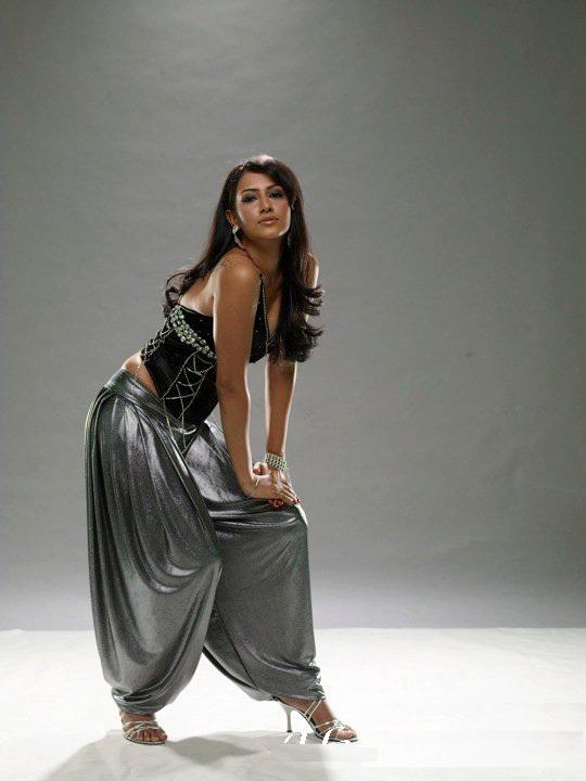Additi Gupta Hot HD Pictures