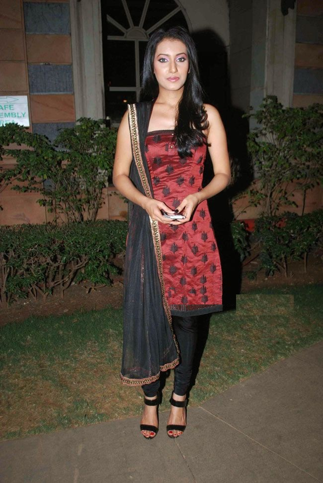 Additi Gupta Hot In Salwaar Pics HD
