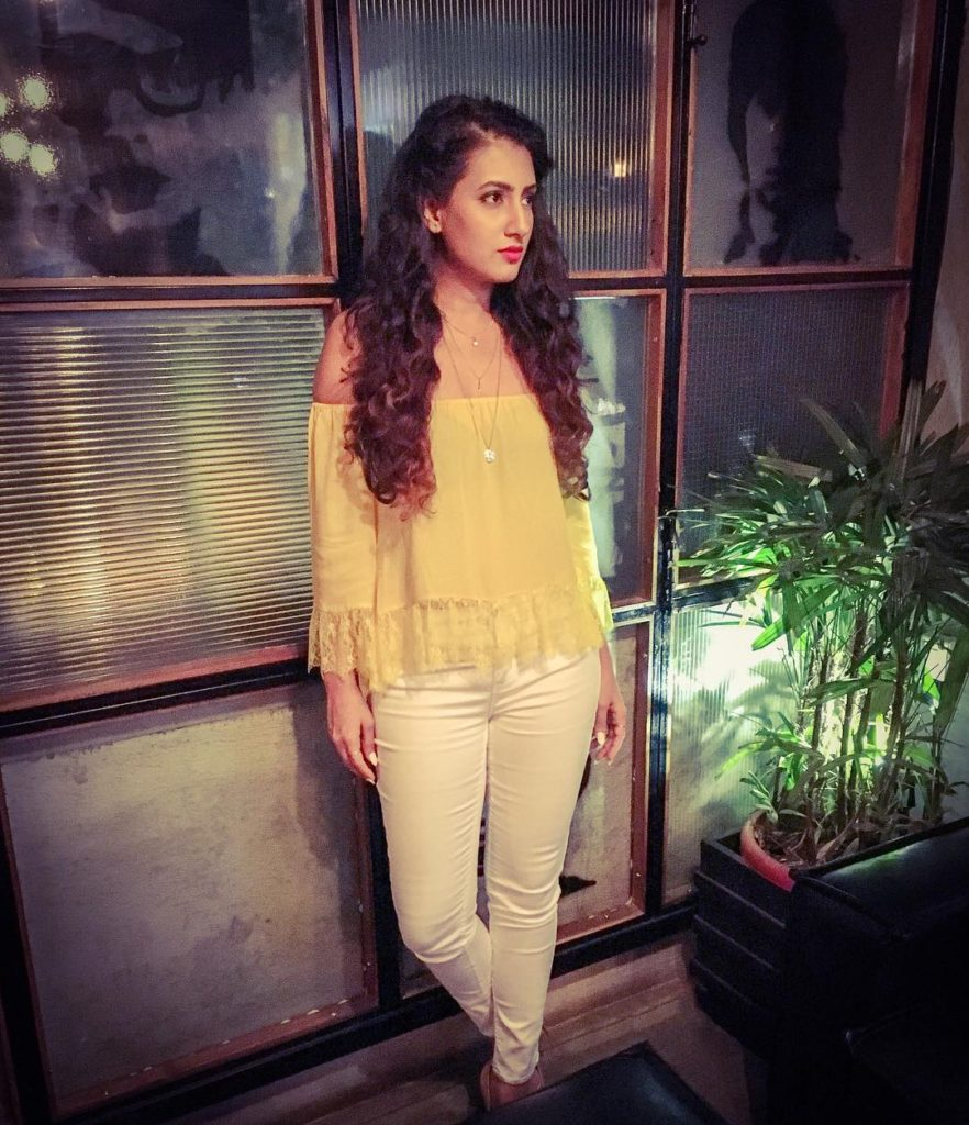 Additi Gupta Hot Photos In Jeans Top