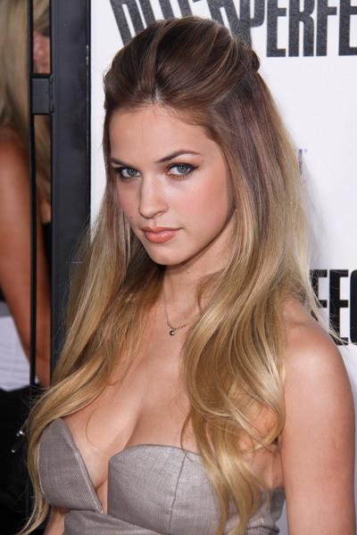 Alexis Knapp Hot In Bikini Unseen Photos Wallpapers