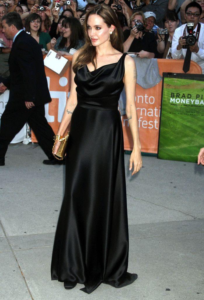 Angelina Jolie Hot Photos In Bra Panty