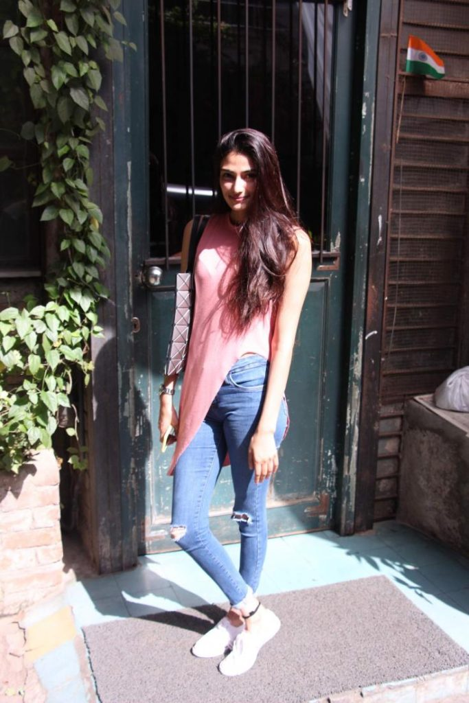 Athiya Shetty Hot Look In Jeans Top