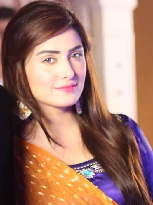 Ayeza Khan Hot Iamges