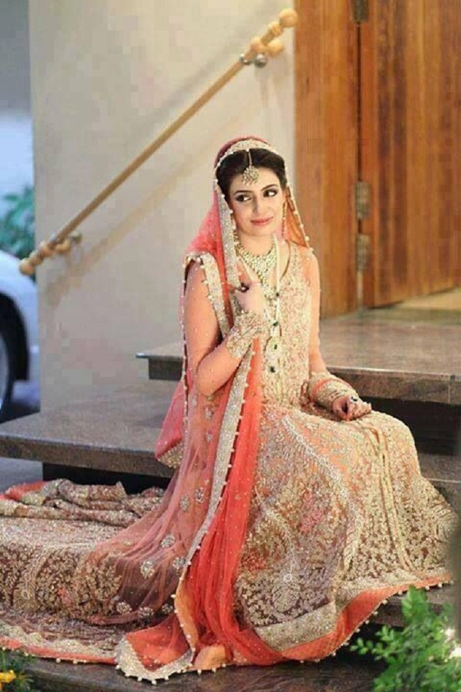 Ayeza Khan Hot In Anarkali Pics