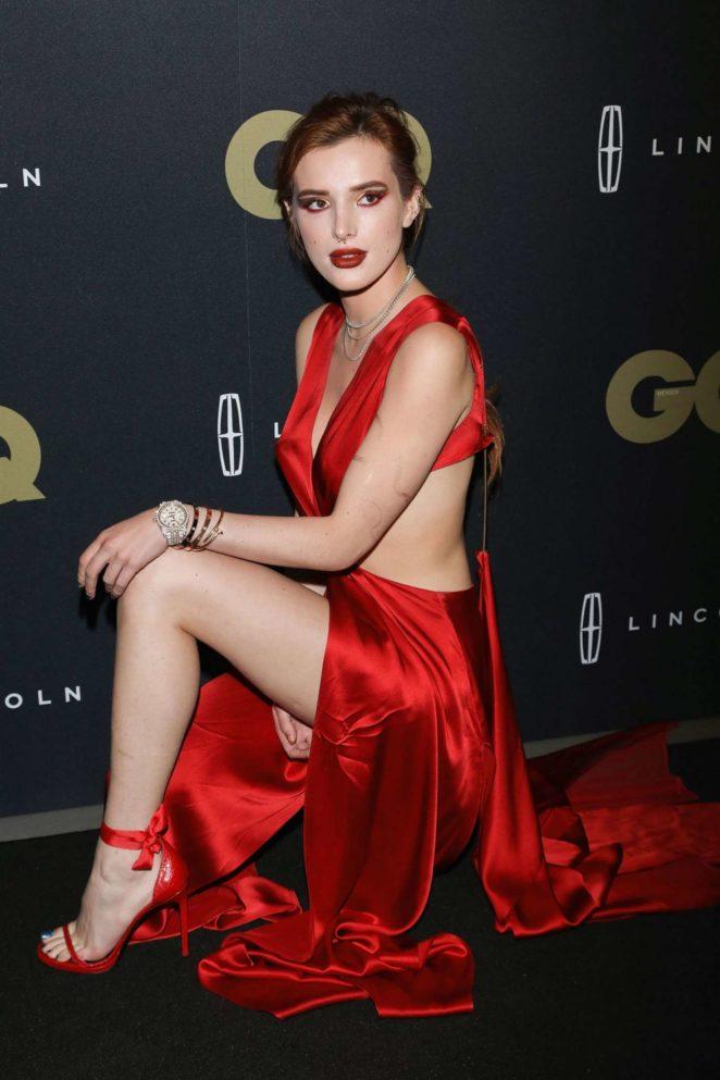 Bella Thorne Sexy Navel & Legs Pics